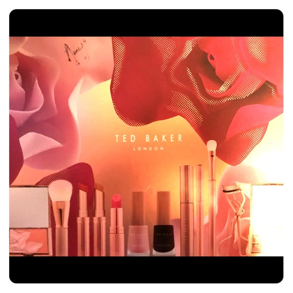 8a71549b3 Ted Baker Ted s Bouquet Cosmetic Collection